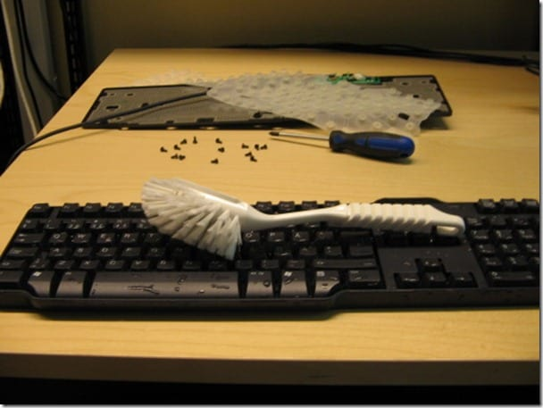 keyboard cleaning thumb